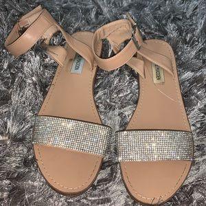 Bling bling sandals 🤩